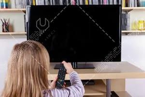 تلویزیون خود به خود خاموش می شود
